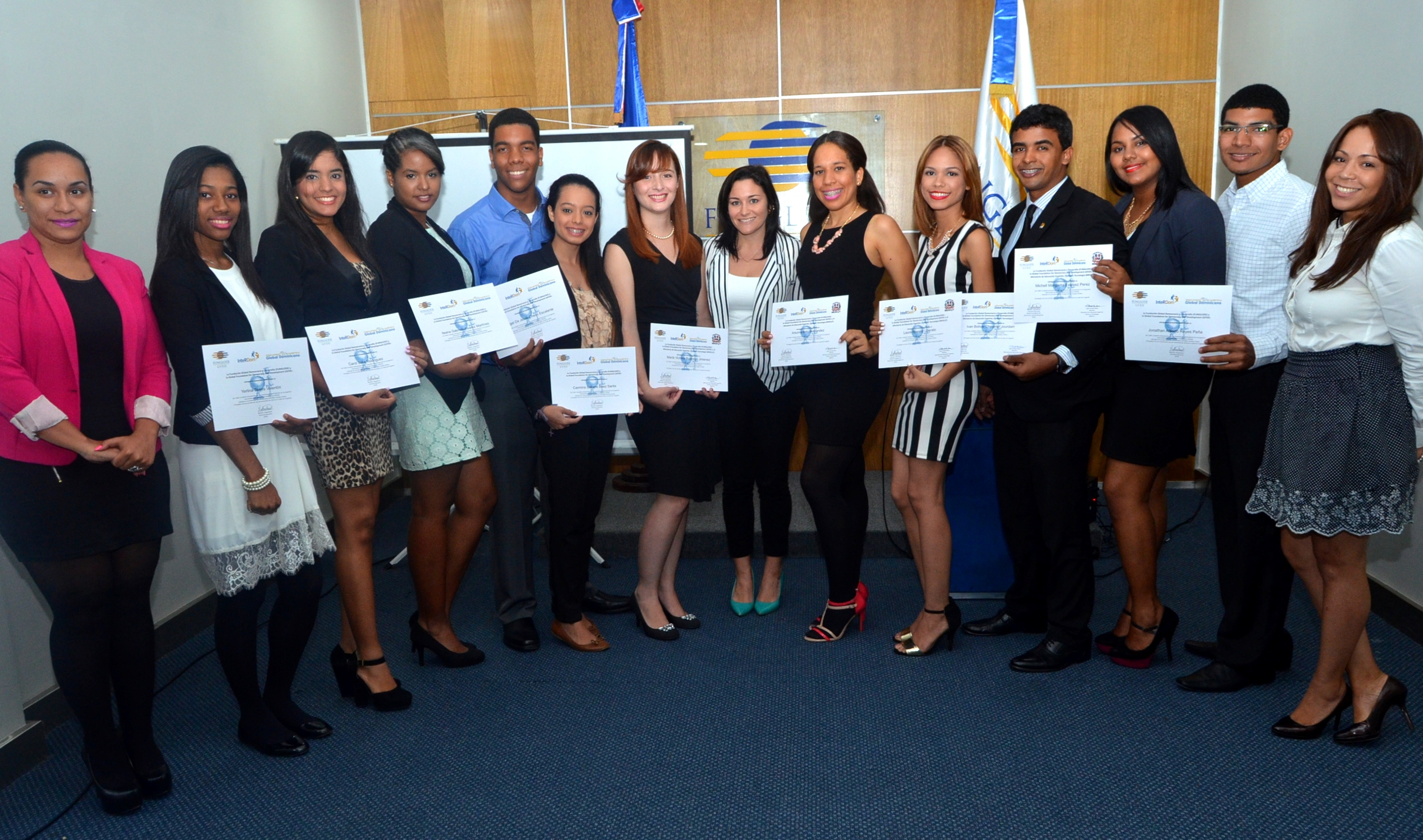 All student participants in fall GDAE programs receive their certificates from GDAE staff.